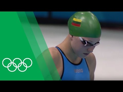 Rūta Meilutytė [LTU] relives her Breaststroke gold at London 2012