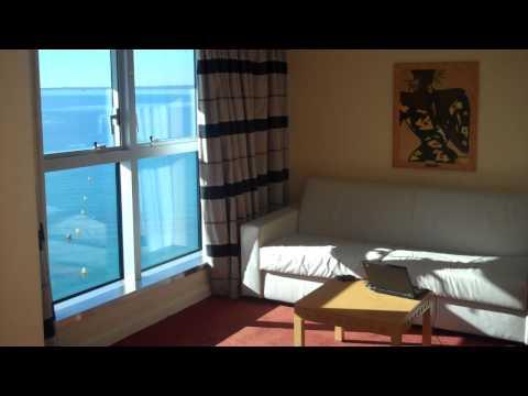 עוז קורן במלון