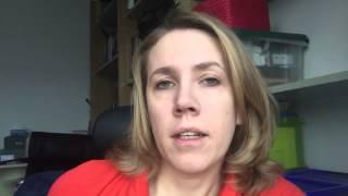 Olga Sõtnik tervitab Kanepikohvik vol 2 kohaletulnuid Tartus
