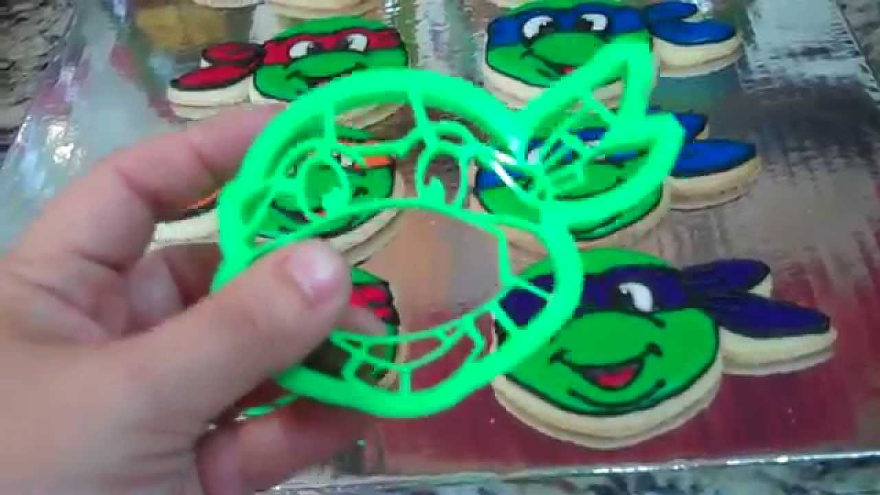 c661567fa TMNT Ninja Turtle Cookie Cutter Review - YouTube
