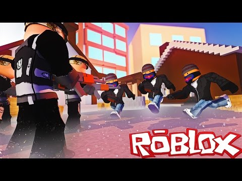 CRIMINALS VS. SWAT IN ROBLOX! (Roblox WHO WILL WIN?)