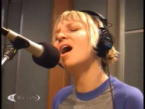 Sia live on KCRW Morning Becomes Eclectic,. 25 Oct 2007