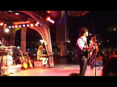 Hard Days Night Beatles tribute - Ob-La-Di, Ob-La-Da - Disneyland Anaheim CA 7/1/2015