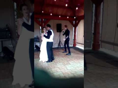 Buckcherry surprises bride with live first dance song!