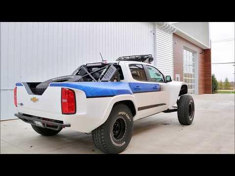 Xem Tây lông độ bán tải Chevrolet Colorado Offroad phê hết nấc
