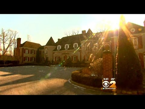 Living Large: A Historic Home In Muttontown
