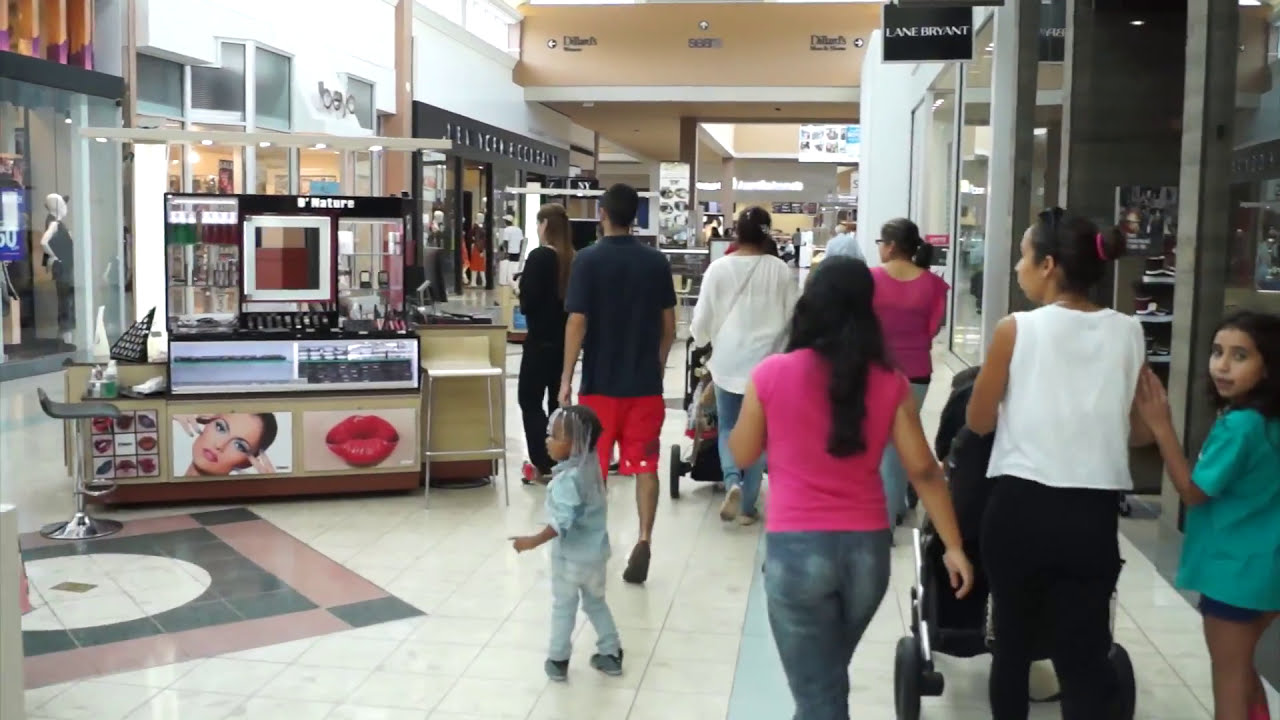 Pembroke Lakes Mall is located in Pembroke Pines, Florida and offers stores - Scroll down for Pembroke Lakes Mall shopping information: store list (directory), locations, mall hours, contact and 4/4(3).