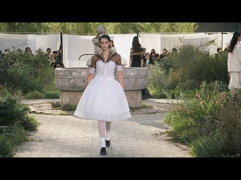 Chanel Couture Spring/Summer 2020 Full Runway | VRAI Magazine