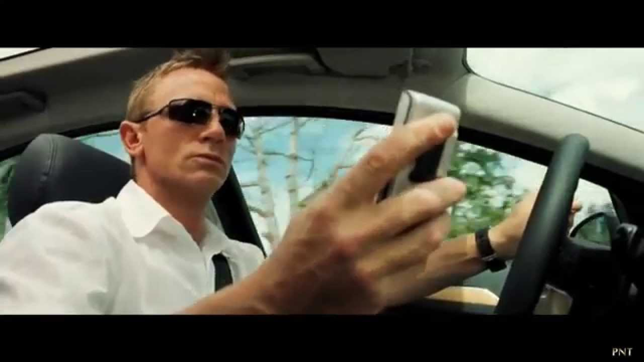 James bond product placement casino royale casino mobile phone