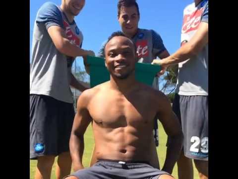 Camilo Zuñiga acepta el reto de Neymar y se baña con agua helada