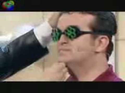 Thomas Gottschalk schlägt einem Kandidaten ins Gesicht von YouTube · Dauer:  50 Sekunden  · 18000+ Aufrufe · hochgeladen am 10/04/2010 · hochgeladen von TheSyleP