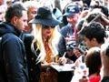 Left-handed Celebs: Justin Bieber, Lady Gaga