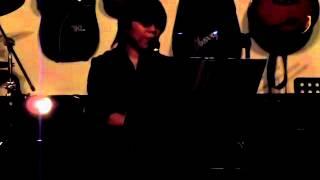 説明 2014年3月29日に沖縄県うるま市石川の music spot HIRO's PLACEで...