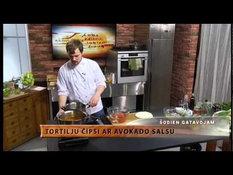 Chili con Carne un  Tortilju čipsi ar avokado salsu