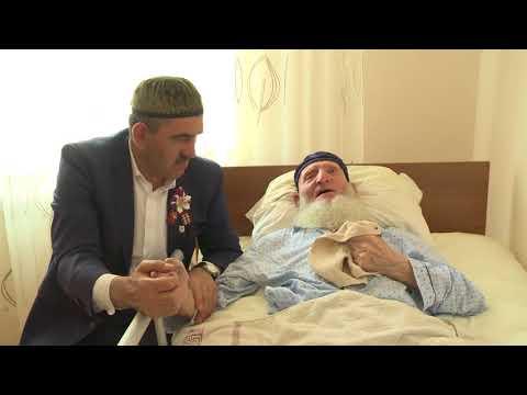 Юнус-Бек Евкуров побывал в гостях у ветерана Великой Отечественной войны
