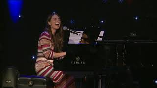 Sara Bareilles sings She Used to Be Mine at BroadwayCon 2016