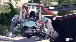 ووك مان.. روبوت ينافس الإنسان بقدرات هائلة
