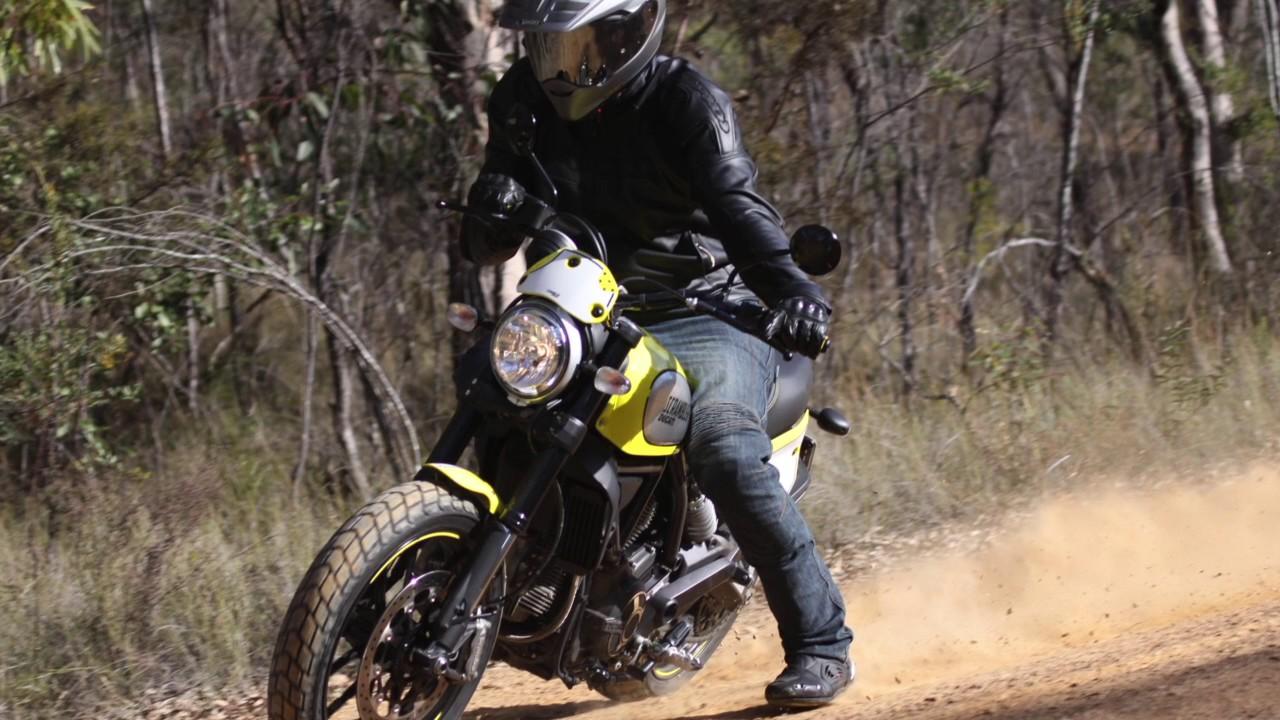 Ducati Scrambler Flat Track Pro Review Youtube