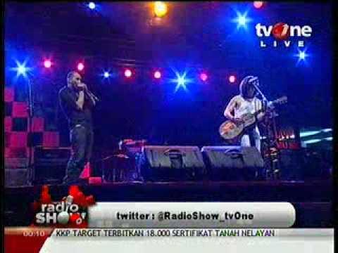 Adrian Adioetomo feat Farhat Iyay @RadioShow_tvOne 2012_05_11_00_06_13.mp4