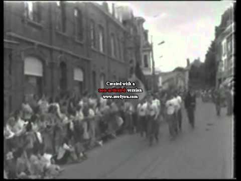 Download Pompiers de Soignies à la Marche du Souvenir 1975 .avi