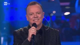 """D'Alessio canta """"Annarè"""" e """"Un nuovo bacio"""" con la Tatangelo - 20 anni che siamo italiani 13/12/2019"""