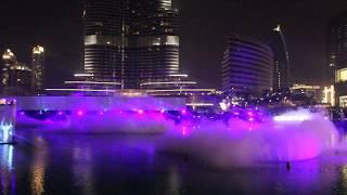 Лазерное шоу танцующего фонтана в Дубае