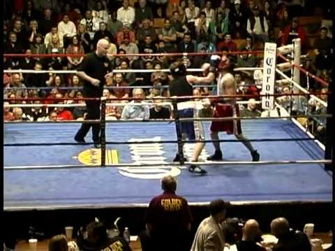2011 CHICAGO GOLDEN GLOVES 139lb Novice Jim Flanigan vs.Peter Leal BOXING Unexpectedly Great Match!