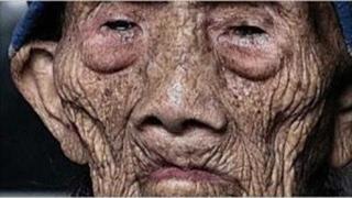 লতাপাতা খেয়ে ২৫৬ বছর ধরে বেচে আছেন । Latest News ।