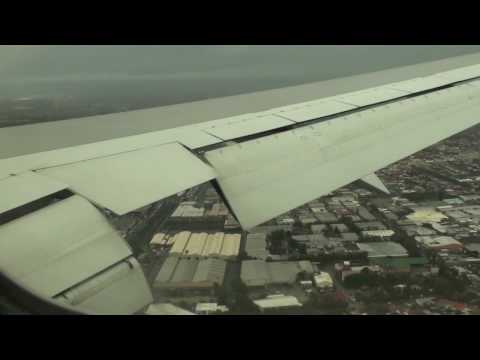 Qantas Boeing 767 338 Landing Sydney Kingsford Smith Airport 19MAY10 After Rain Storm