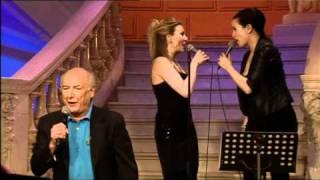Peter Koelewijn zingt
