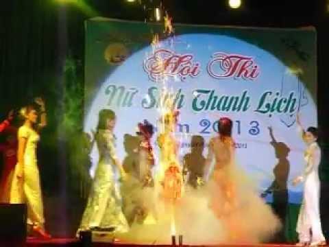 Trung cấp SP mầm non Dak Lak, Hội thi nữ sinh thanh lịch 2013, thí sinh chào khán giả