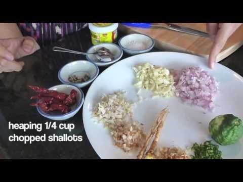 How To Make Red Curry Paste พริกแกงเผ็ด - HTK Tutorial