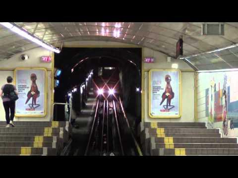 37 Carmelit entering Paris Square down