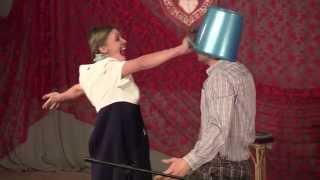 сценка 3. Дети - в песочнице