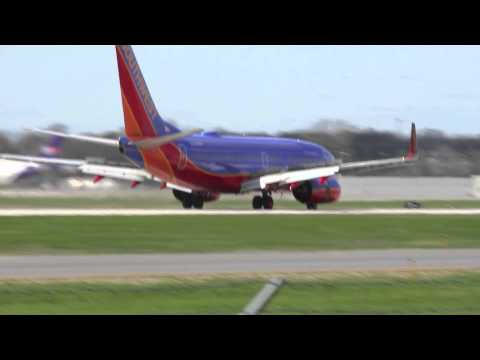 Southwest 737-700 Las Vegas to Flint Landing | N288WN