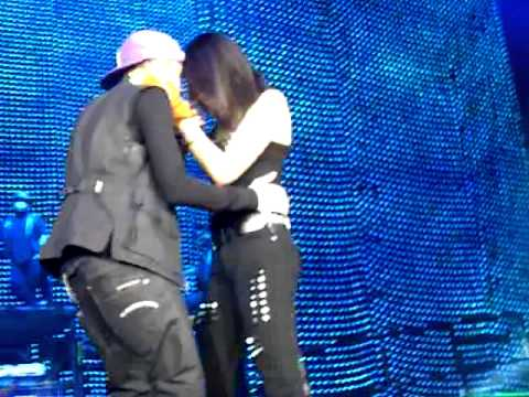 who is selena gomez dating justin bieber