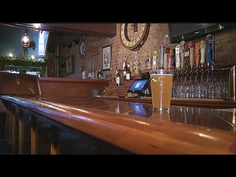 Bars, restaurants ready for crowds on the night before Thanksgiving