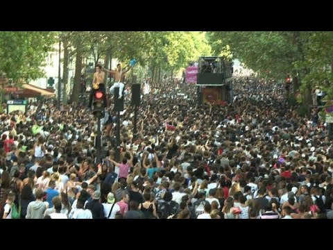 Soleil et grosse affluence à la 16e Techno Parade