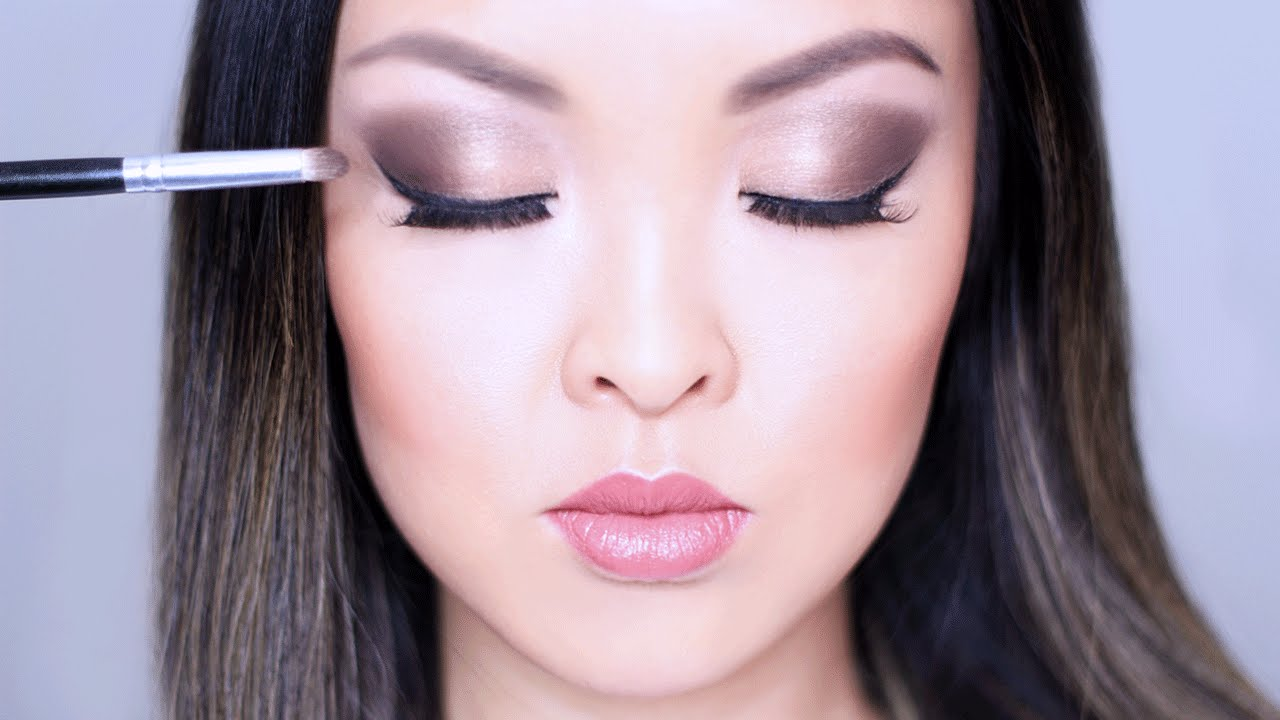 How to blend eyeshadow for beginners chiutips youtube ccuart Images