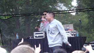 Blue Scholars - No Rest for the Weary - University of Washington - Dawg Daze - Live!