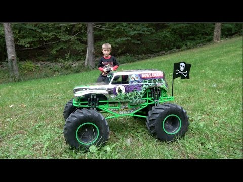 Monster Jam Grave Digger Chrome Rc Truck Extreme Test Drive Youtube