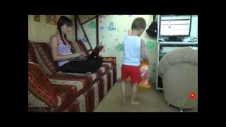 видео Ребенок не хочет оставаться ни скем кроме мамы