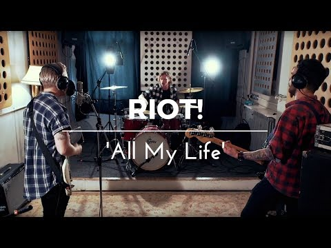 Riot - All My Life (Foo Fighters Cover) - Live In Session
