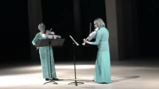 """""""Le duo des beaux ténébreux"""" plays """"L"""