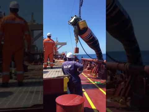 Cargo Hose Connection - Mooring Master - FPSO