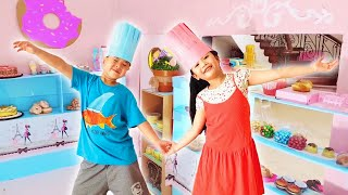 Barbie Bakery Restaurant Boxfort Kitchen toys Challenge