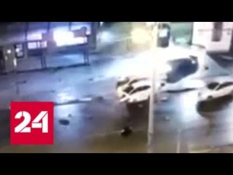 В Кашире водитель на скорости протаранил три автомобиля - Россия 24