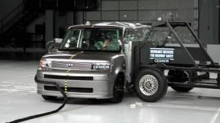 2006 Scion xB side IIHS crash test