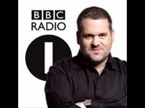 Moyles (Rob Brydon as Ken Bruce on Radio 1).wmv