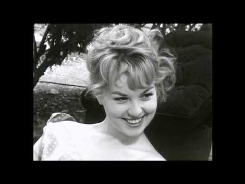 Mylène Demongeot - Interview (1957)